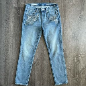 (EUC) Gap Mid Rise Skinny Embroidered Jeans (26/28